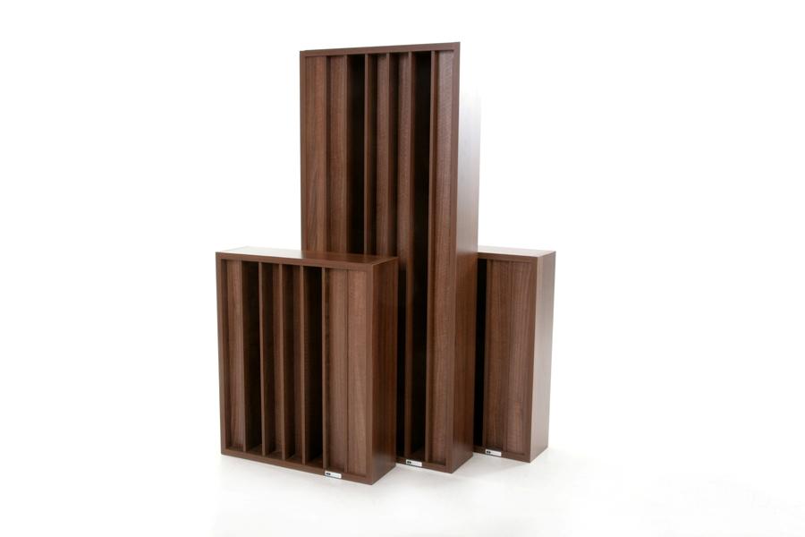 2 GIK Acoustics Demi Q7d Diffusoren gegenüber einem Standard Q7d Diffusor.